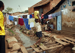 slum-trail-kampala